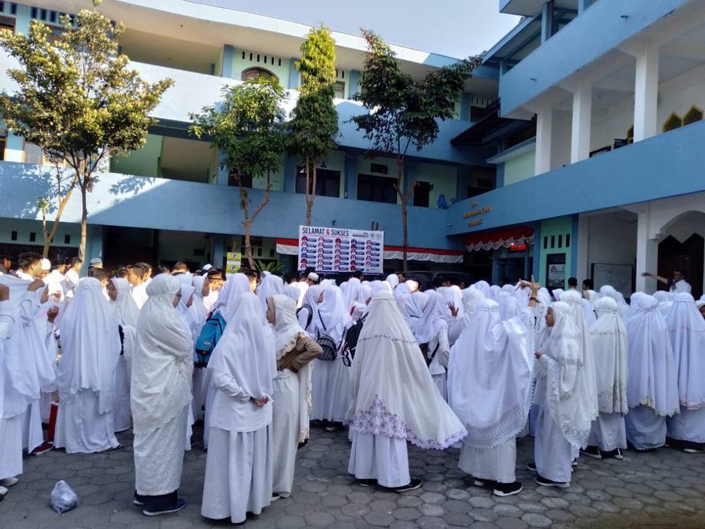 Ratusan Siswa Perguruan Tlogomas Manasik Haji-Umroh 2
