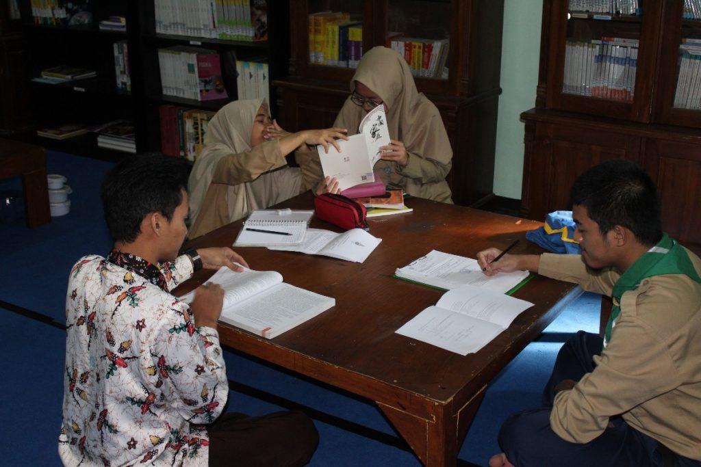 Ajang ME Award, MA Muhammadiyah 1 Tlogomas Gembleng Sepuluh Siswa Optimis Raih Juara 2