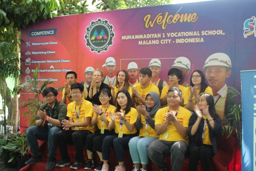 Tingkatkan Aktif Speaking Bahasa Inggris, Siswa SMK Muhammadiyah 1 Kota Malang Dapat Guru Tamu Asal Jerman 1