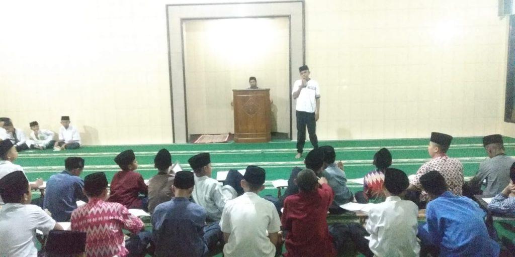 Program Adwal Muhadharoh Ponpes Munawarah, Bukti Santri Unggul Kemampuan Pidato dan Gaya Komunikasi 1