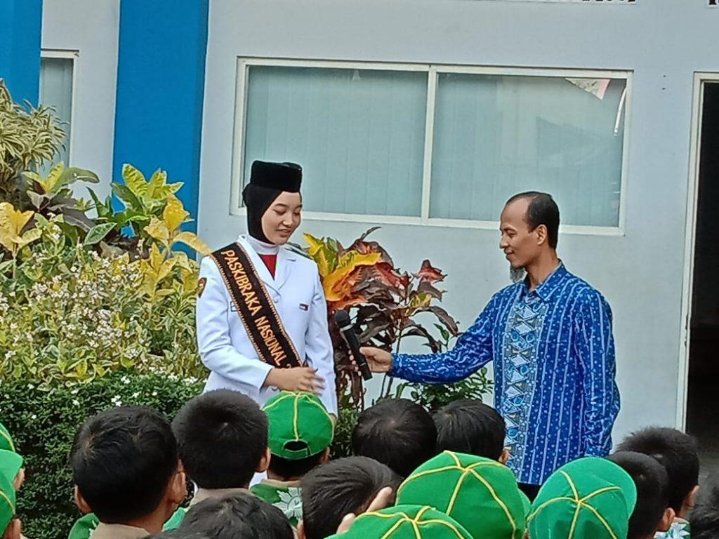 Apel Pagi SD Muhammadiyah 8 Kota Malang Hadirkan Salma, Alumni Sekolah Pembawa Baki Bendera Pusaka 2