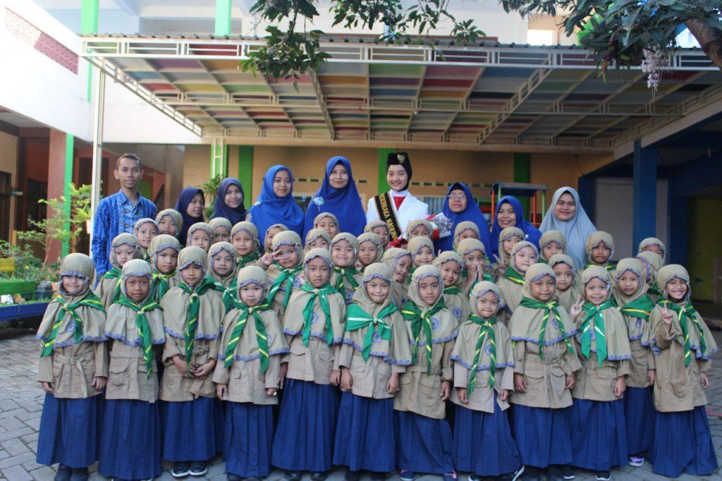 Apel Pagi SD Muhammadiyah 8 Kota Malang Hadirkan Salma, Alumni Sekolah Pembawa Baki Bendera Pusaka 1