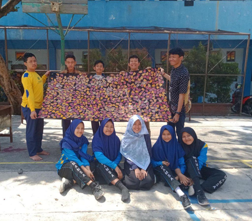 Peringati Hari Batik Nasional, Siswa-Guru SMA Muhammadiyah 1 Kota Malang Gelar Aksi Batik Bersama 1