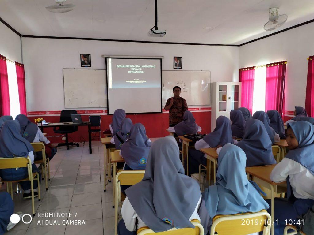 Perkuat Kelas Kewirausahaan Siswa SMK Muhammadiyah 2 Kota Malang Fokus Digital Marketing 1