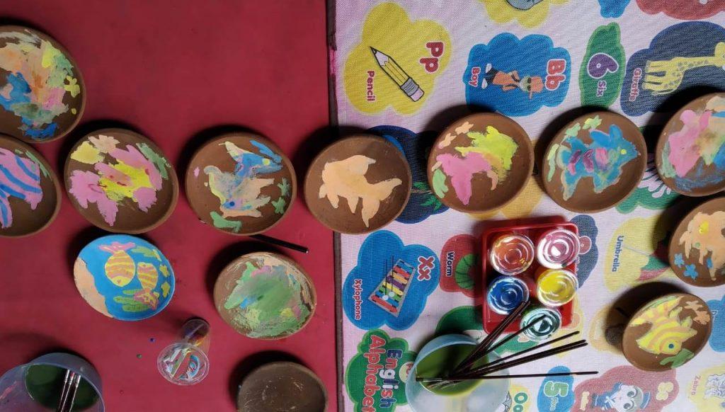 Asah Kreatifitas-Kecerdasan Daya Ingat, Siswa TK ABA 12 Kota Malang Menggambar Media Cobek 1