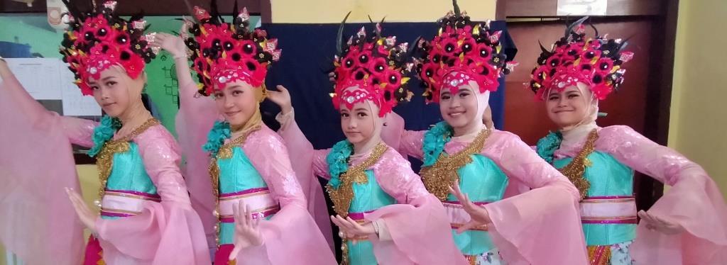 Tari Pasuruan Gumuyu SMP Muhammadiyah 2 Kota Malang Raih Juara Porseni 1