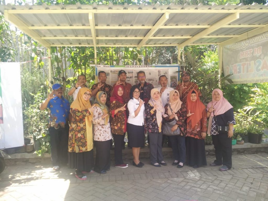 Perpustakaan Kabupaten Banyumas Tertarik Tugu Eco Brik 2