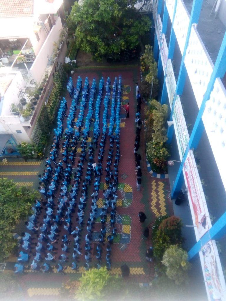 Ratusan Siswa SDM 8 KH Mas Mansyur, Meriahkan HAI Mulai Simulasi  Bencana Hingga Deklarasi 2