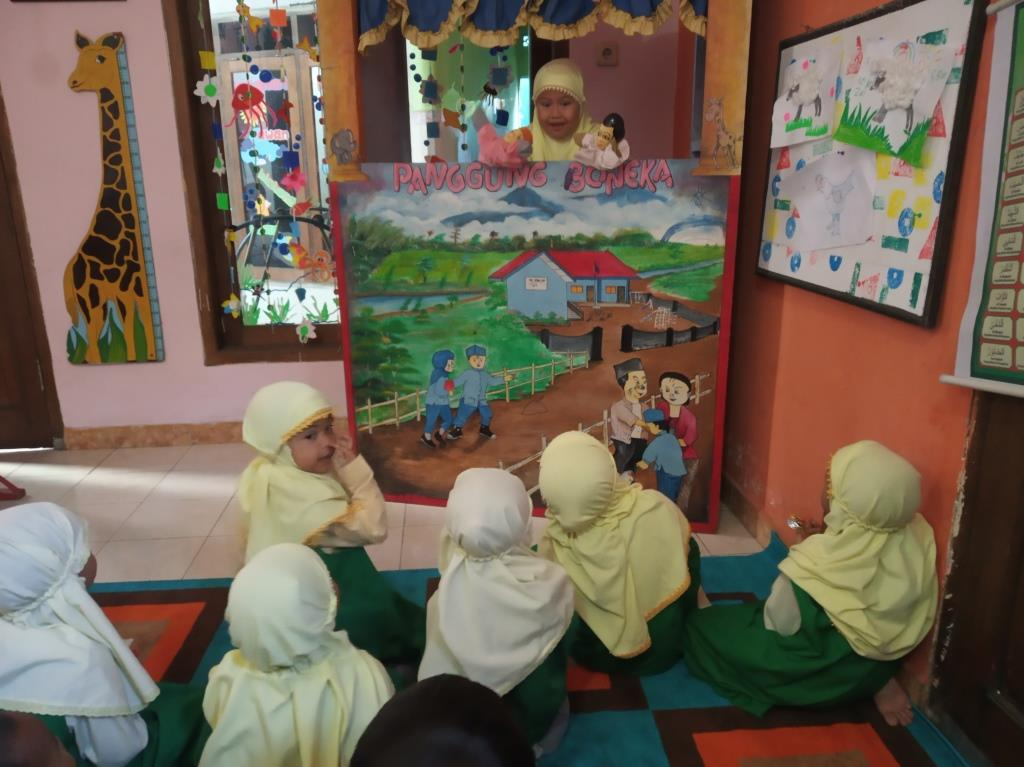 Punya Panggung Donggeng Boneka, ABA 5 Kota Batu Ajari Siswanya Peka Pada Lima Hal Kecerdasan Emosial 1