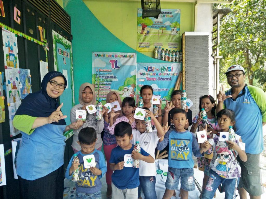 Peringati Hari Nusantara, TBM TL Penjarakan Sampah Plastik Diolah Ecobrik 1