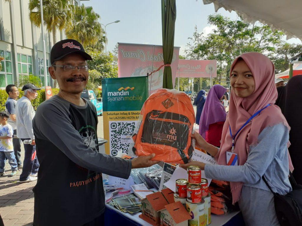 Milad Muhammadiyah 107, Lazismu Batu Bagi-Bagi School Kit 1
