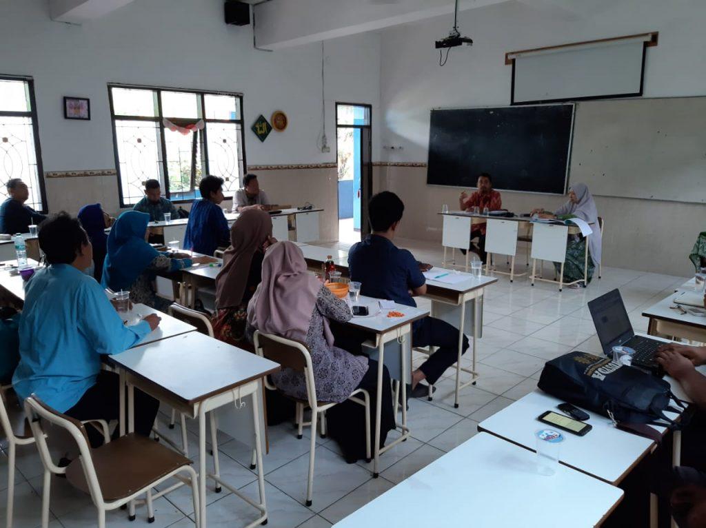 Siswa Libur Semester, Guru Matsamutu Konsolidasi-Evaluasi Program Pendidikan 1