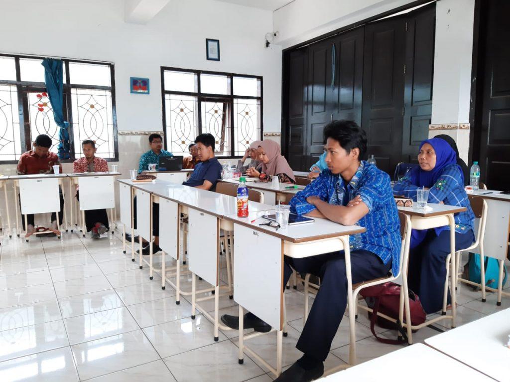Siswa Libur Semester, Guru Matsamutu Konsolidasi-Evaluasi Program Pendidikan 2