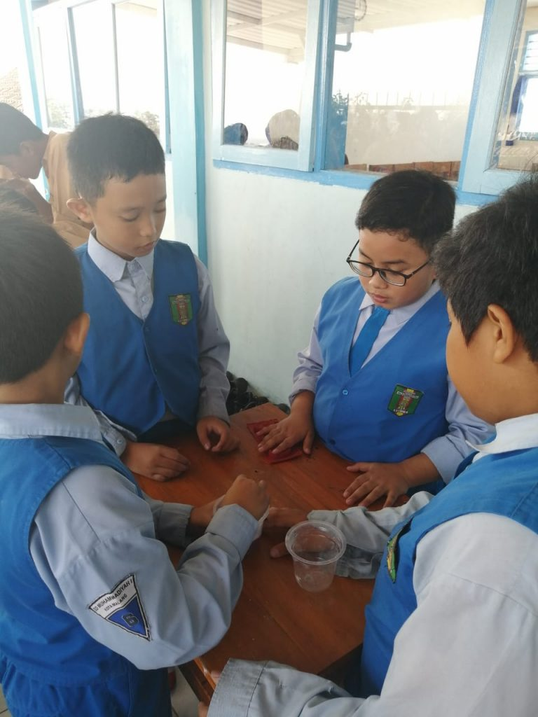 Puluhan Siswa SD Mutu Kunjungi SMP Muhammadiyah 2 Pembelajaran Bahasa Thailand Sekaligus Keterampilan 1