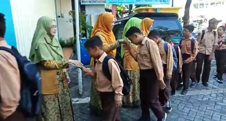 Mentor Asal Thailand Sambut Siswa SD Mutu dan SD Mulia Dengan Program Bea Siswa Kader Muhammadiyah 1