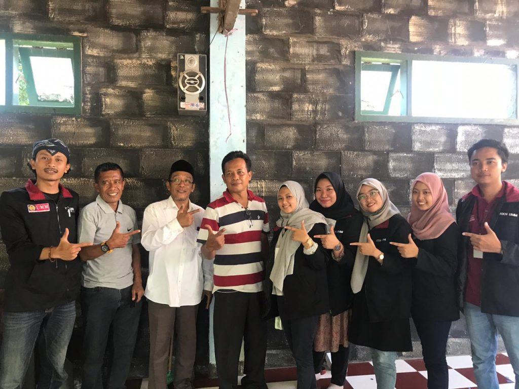 Libatkan Ulama-Tokoh Lokal, Divisi Kesling Latih Warga Hidroponik Kampung Bunga 1