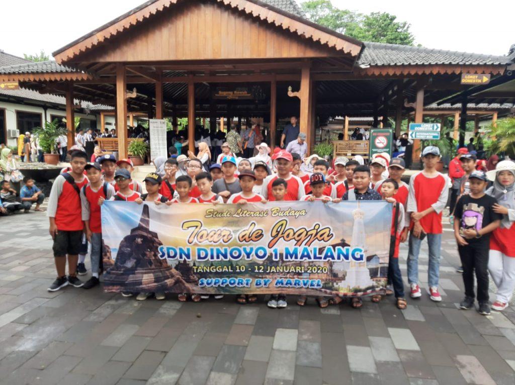 Kesamaan Profesi Guru-Harga Persahabatan, Marvel Matsamutu Layani Siswa SDN Dinoyo 1 Studi Banding 1