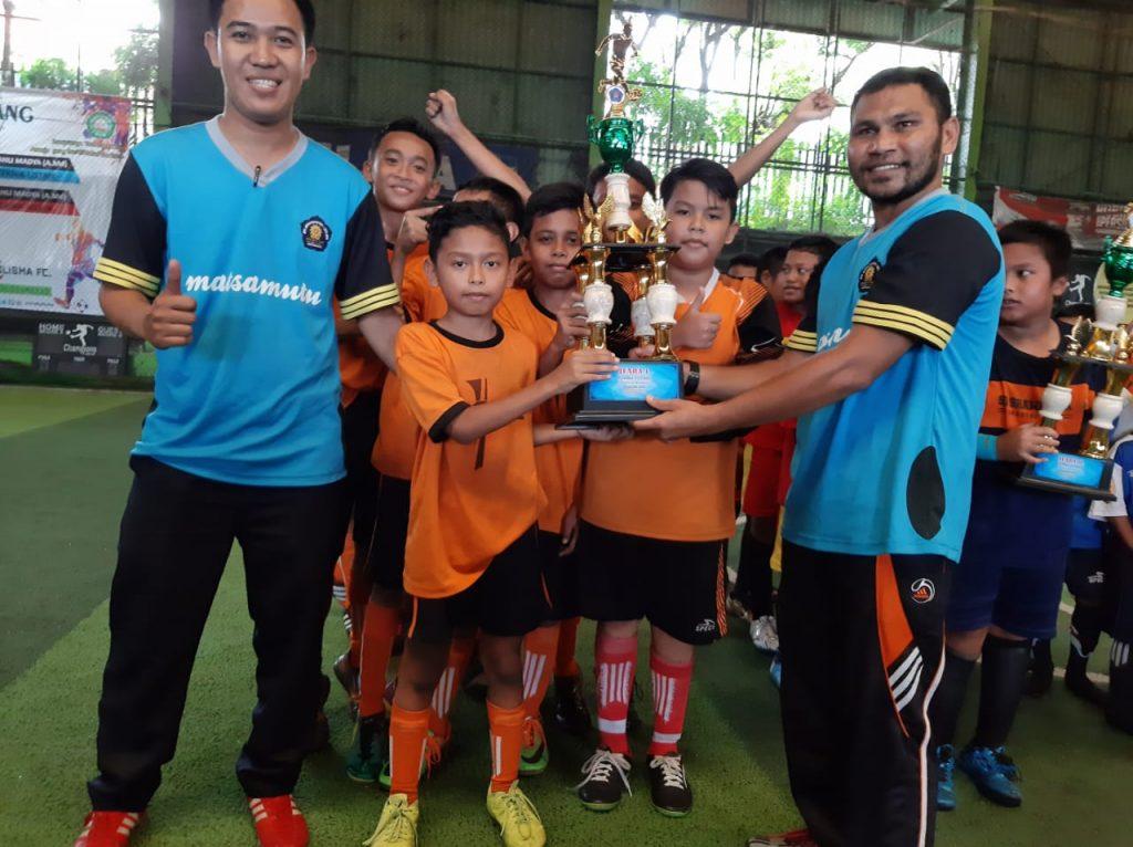 SDN Tulusrejo Juara Satu Macofes Futsal, Matsamutu Membuka Pintu Pendaftaran Siswa Baru 1