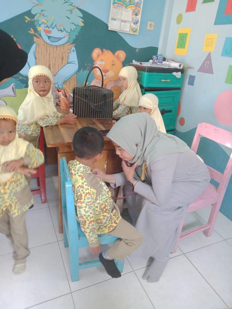 Majelis Dikdasmen PCA Dau-RS UMM Laksanakan Program Kesehatan Siswa KB-TK ABA 2