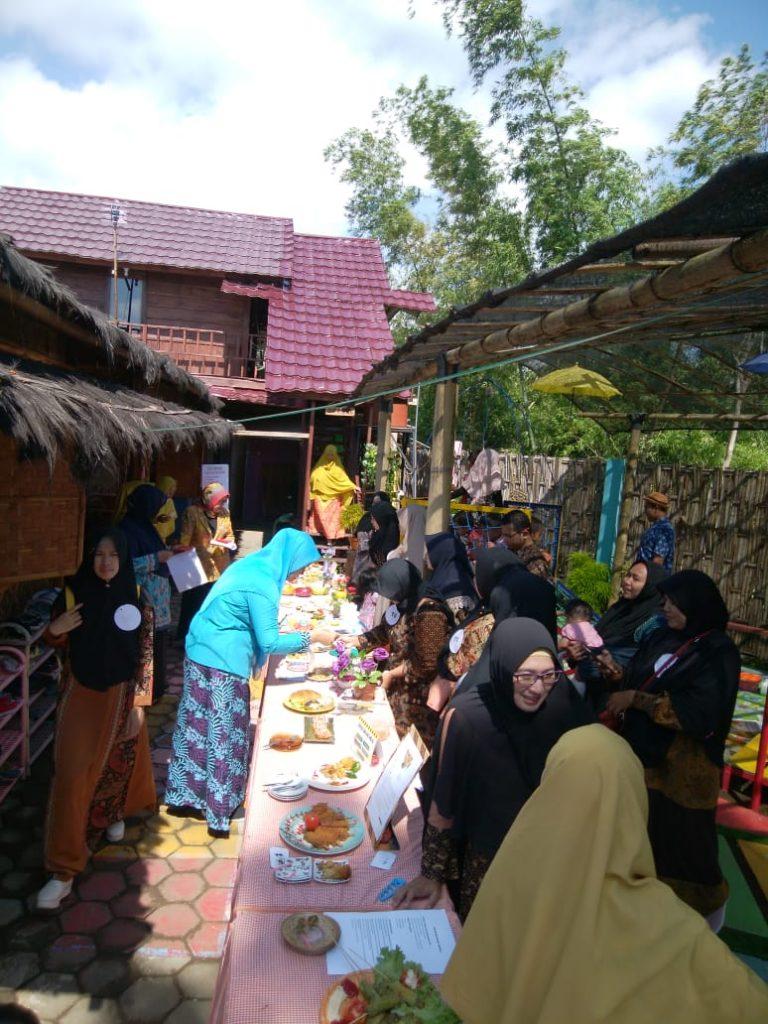 KB Aisyiyah Dau Sajikan Mamin Halal Thoyyib Non Beras, Raih Apresiasi Diknas-Puskesmas 1