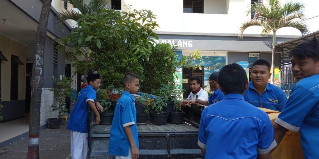 Dua Dosen Agribisnis FPP UMM Mengabdi, Sukses Ciptakan Lingkungan Ponpes Munawarah Nyaman-Asri 2