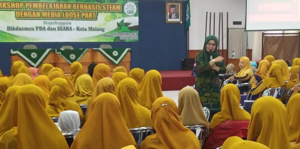 Ratusan Guru TK ABA Kota Malang, Ikuti Workshop STEAM Loose Part Dampingi Siswa Berfikir Kreatif-Solutif 3