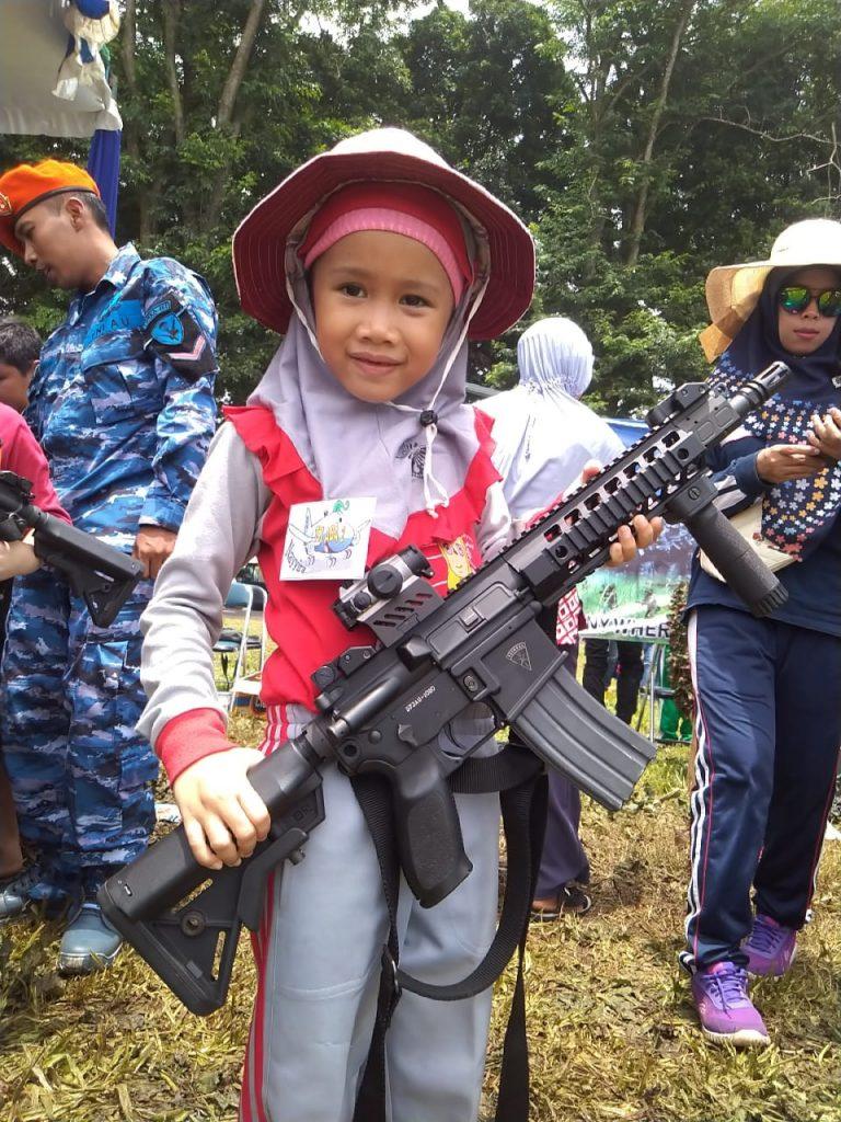 Wisata Dirgantara Siswa ABA 2 Kota Malang Disuguhi Atraksi Pesawat Volcano 1