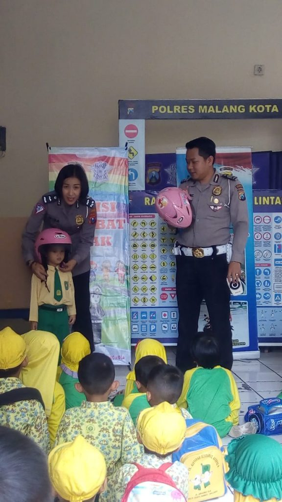 """Geruduk"" Mapolresta Malang Siswa ABA 9 Buka Wawasan Tentang Profesi Polisi 1"