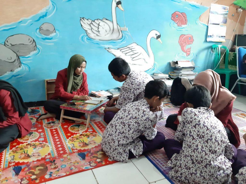 Enam Mahasiswa FAI UMM Dampingi Siswa Matsamutu Baca Tulis Al Qur'an 1