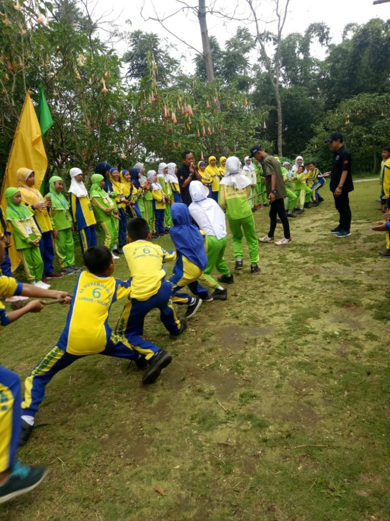 SD Muhammadiyah 6 Lawang Outing Class Tematik Tanaman, Lanjut Tarik Tambang dan Renang 2