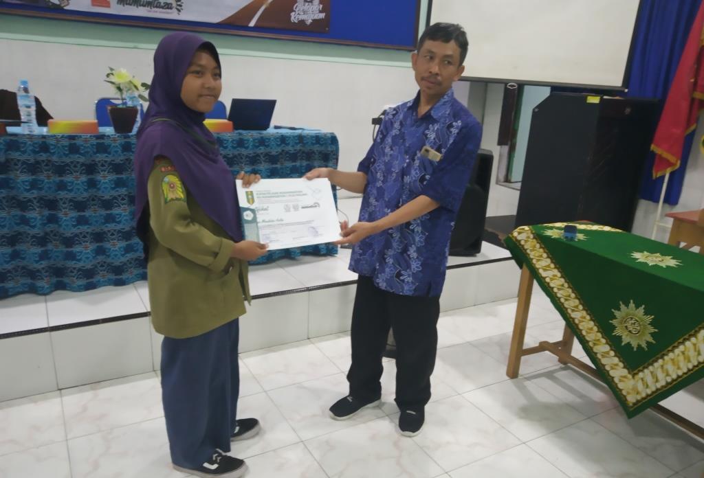 MataHati, Matsamutu, SMPM 2 Kota Malang, Menerima Sertifikat Penghargaan 1
