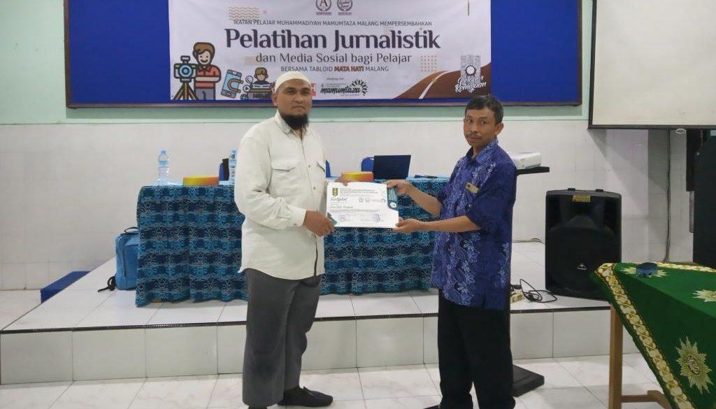 sertifikat jurnalistik unggul