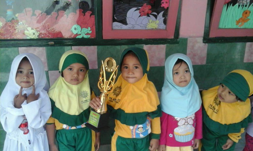 Feliza Siswa ABA 13 Kota Malang, Dinamika Gambarnya Mengantarkan Juara Pertama Lomba Mewarna 1