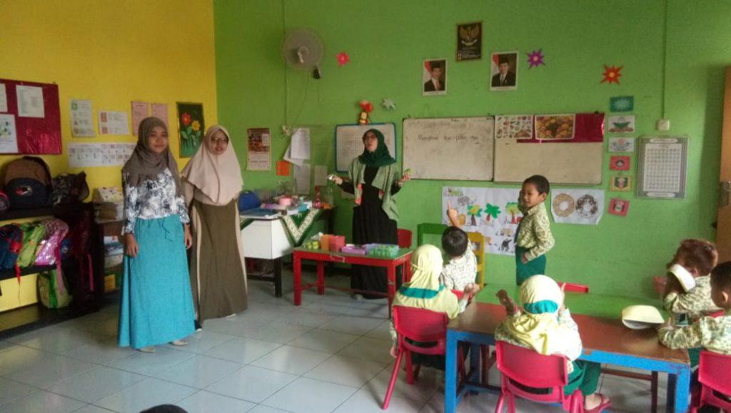 Wali Siswa ABA 24 Kota Malang Sehari Mengajar Ilmu, Mulai Senam Pagi Hingga Membuat Bekal, Keterampilan Karya 1