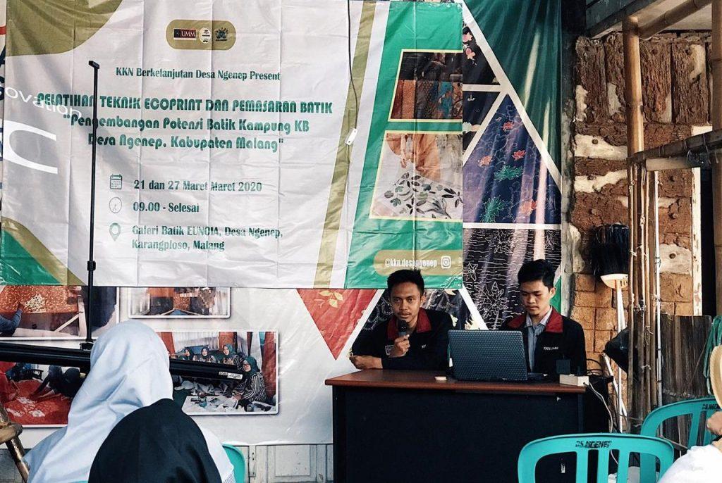 KKN UMM Berkelanjutan Latih Warga Ngenep Ecoprint, Branding Batik Desa Motif Daun Pepaya 1
