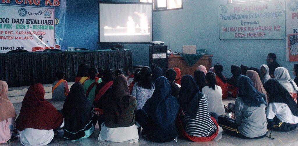 KKN UMM Ngenep Ajak Remaja Tampilkan Seni Sebagai Promosi Potensi Desa 1