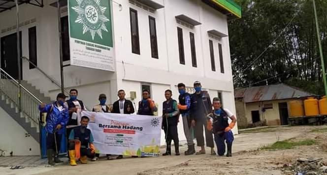 Sembilan AUM-Masjid, Ikut Program Desinfektan Lazismu Tarakan 2