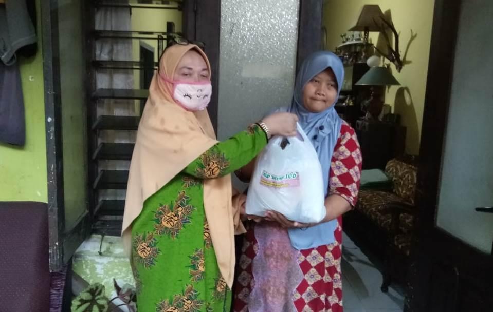 PCA Klojen Sambut Milad Aisyiyah 106 Bagi 300 Paket Sembako 1