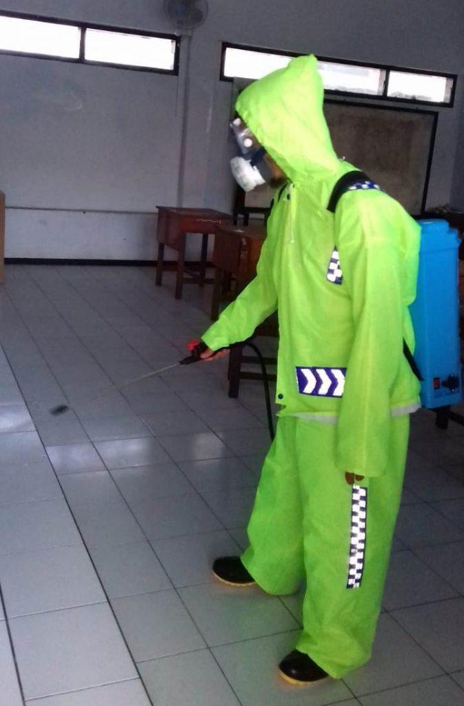 Kokam Kota Malang Desinfektan SMAMSA-SMP Muhasa 2