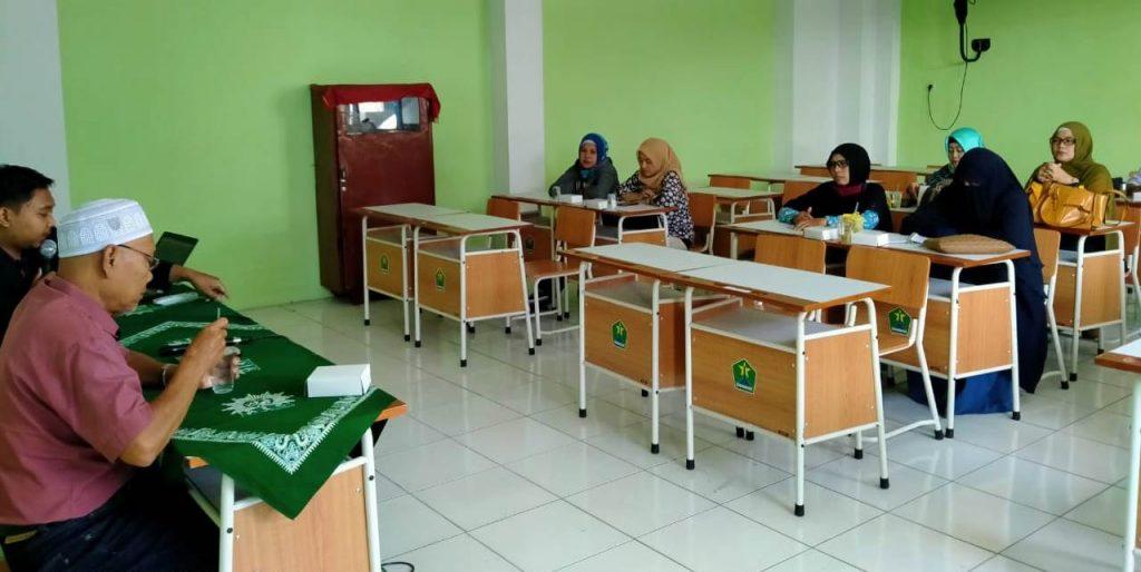 Siswa SMP M2M Belajarnya Online, Sekolah Tugaskan Seorang Guru Sebagai Admin 1
