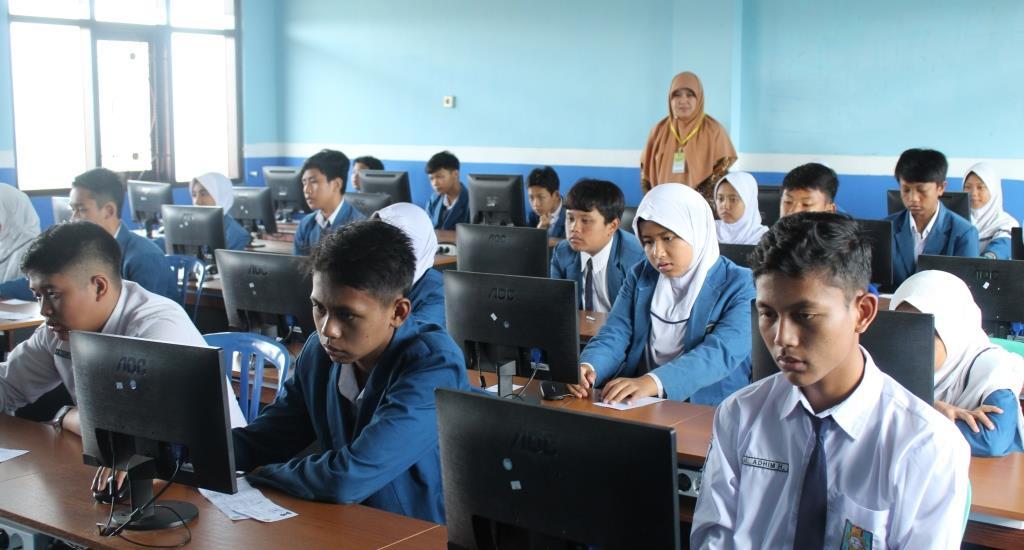 Sebelum Masuk Kelas Doa-Shalat Sunnah, Sambut Ujian Akhir Madrasah di Matsamutu 2