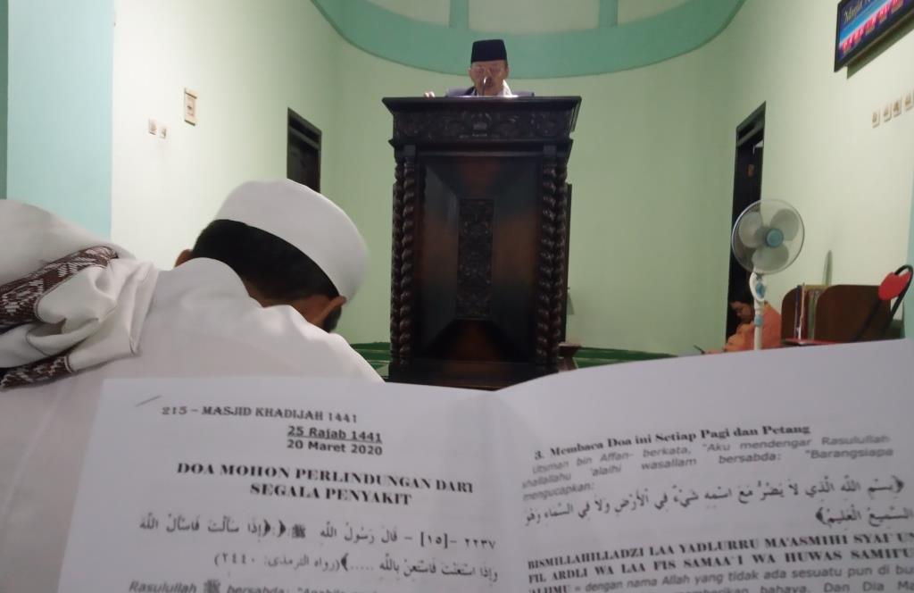 """""""Yasinan"""" di Masjid Khadijah Kota Malang Ustadz Yasin Beri Wejangan 6 Doa Pelindung Sakit 1"""
