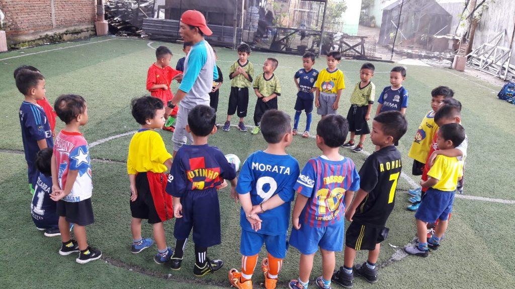 Tim Futsal Siswa ABA 19 Kota Malang Melatih Jiwa Mandiri Anak Usia Dini 1
