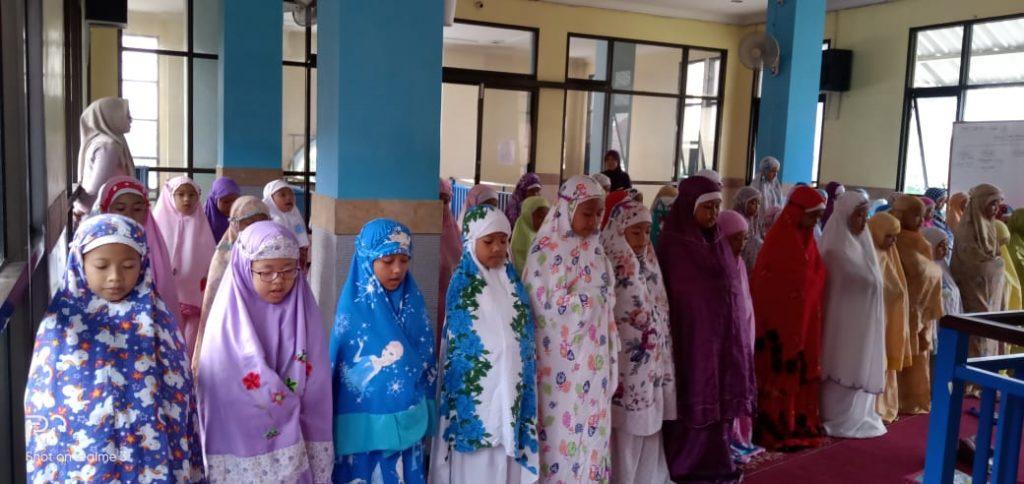 Bentuk Adab Siswa SD Muhammadiyah 6 Lawang Ahlakul Kharimah, Melalui Pembiasaan Shalat Sunnah 1