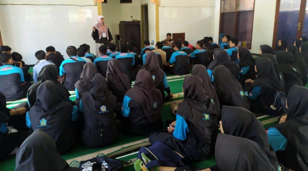 Kasek SMK Muda Beri Arahan Tanggap Darurat, Minta Siswanya Fokus Ibadah-Belajar Dari Rumah 2