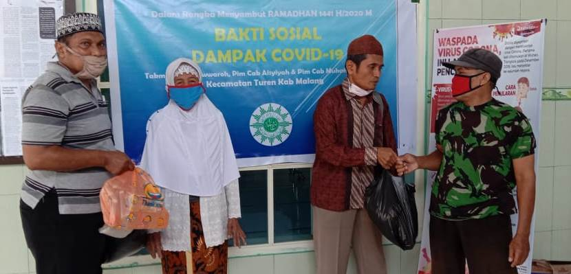 Kabupaten Malang Mulai Bergerak, PCA-PCM Turen Bantu 200 Sembako Pada Pedagang Keliling-Dhuafa 2