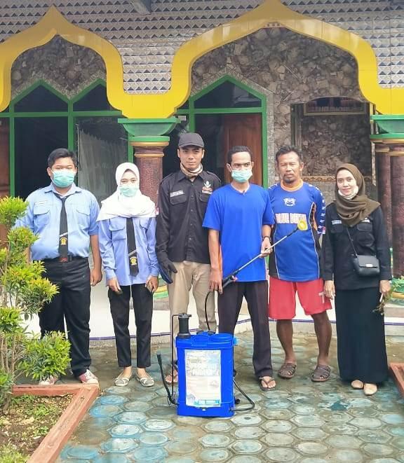 Sehari PCPM-SMK Muhummadiyah Donomulyo Desinfektan 5 Masjid 1