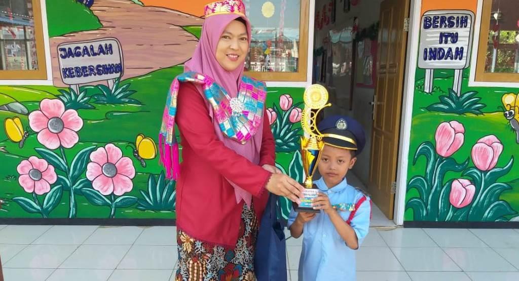 Perkuat Komunikasi Program PPDB, SD Muhammadiyah 5 Kota Malang Video Konference Bersama Guru 1