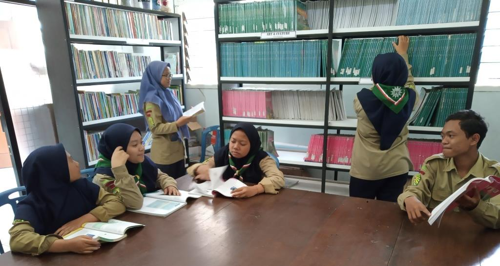 Meski Prestasinya Unggul, Siswa SMP Muhasa Tetap Tawaduk-Tunduk Pada Adab Keislaman 1