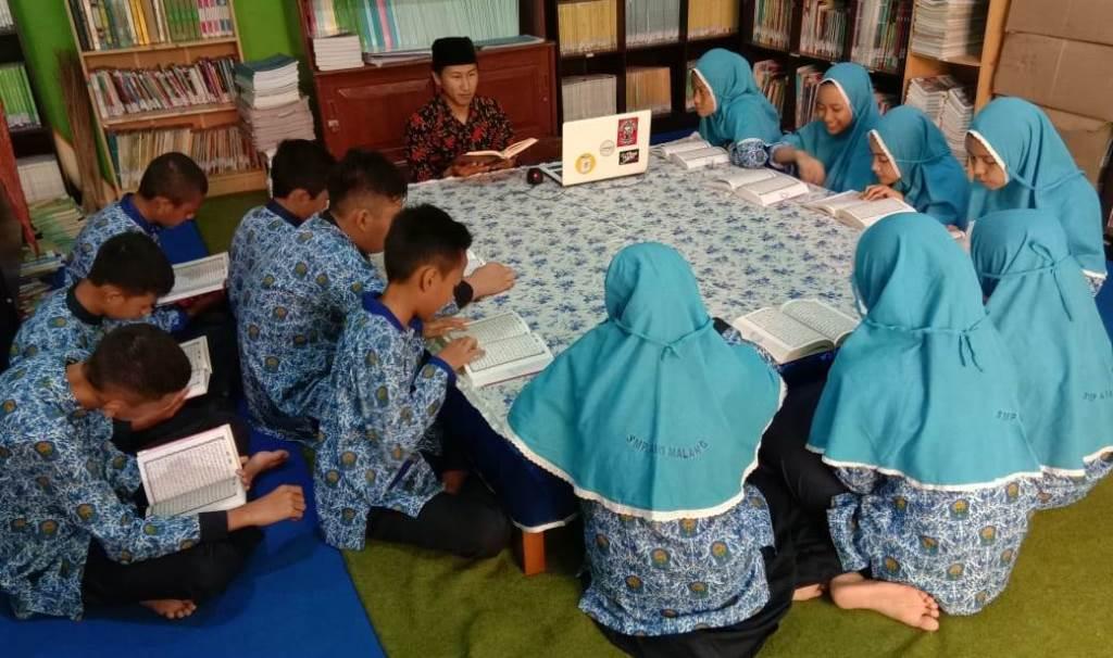 Program Takhasus SMP AM3 Lahirkan Siswa Hafidz-Ahklahul Kharimah 1